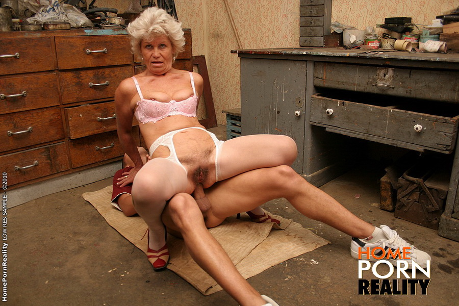 Horny Granny Effie Anal Fucking With A Teen Boy - Mobile -2597
