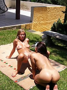 Crazy hot girl on girl fisting in the great outdoors