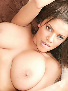 Bigtit women wraps her lips around a cock before she has sex