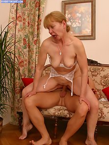 Seductive mature slut enjoys her young neighbor