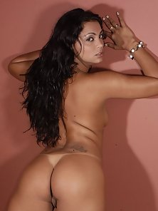 This latin beauty sure like to show off her booty