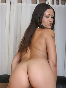 Jadelyn spreads her voluptuous cheeks for a guy.
