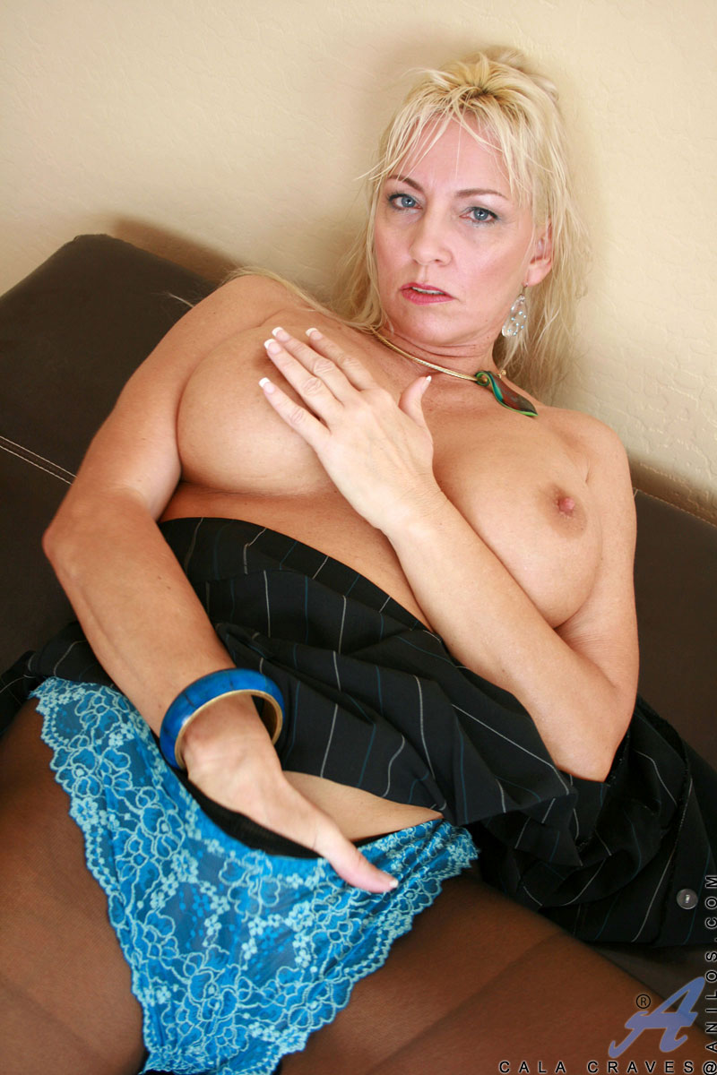 classy blonde old woman feels hot and strips off her pantyhose to