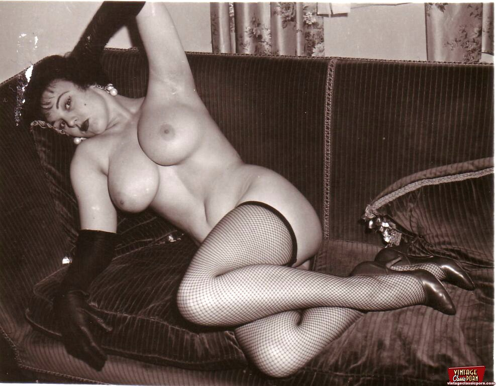 Very Real Vintage Buxom Naked Girl Pictures With Pubic -5944