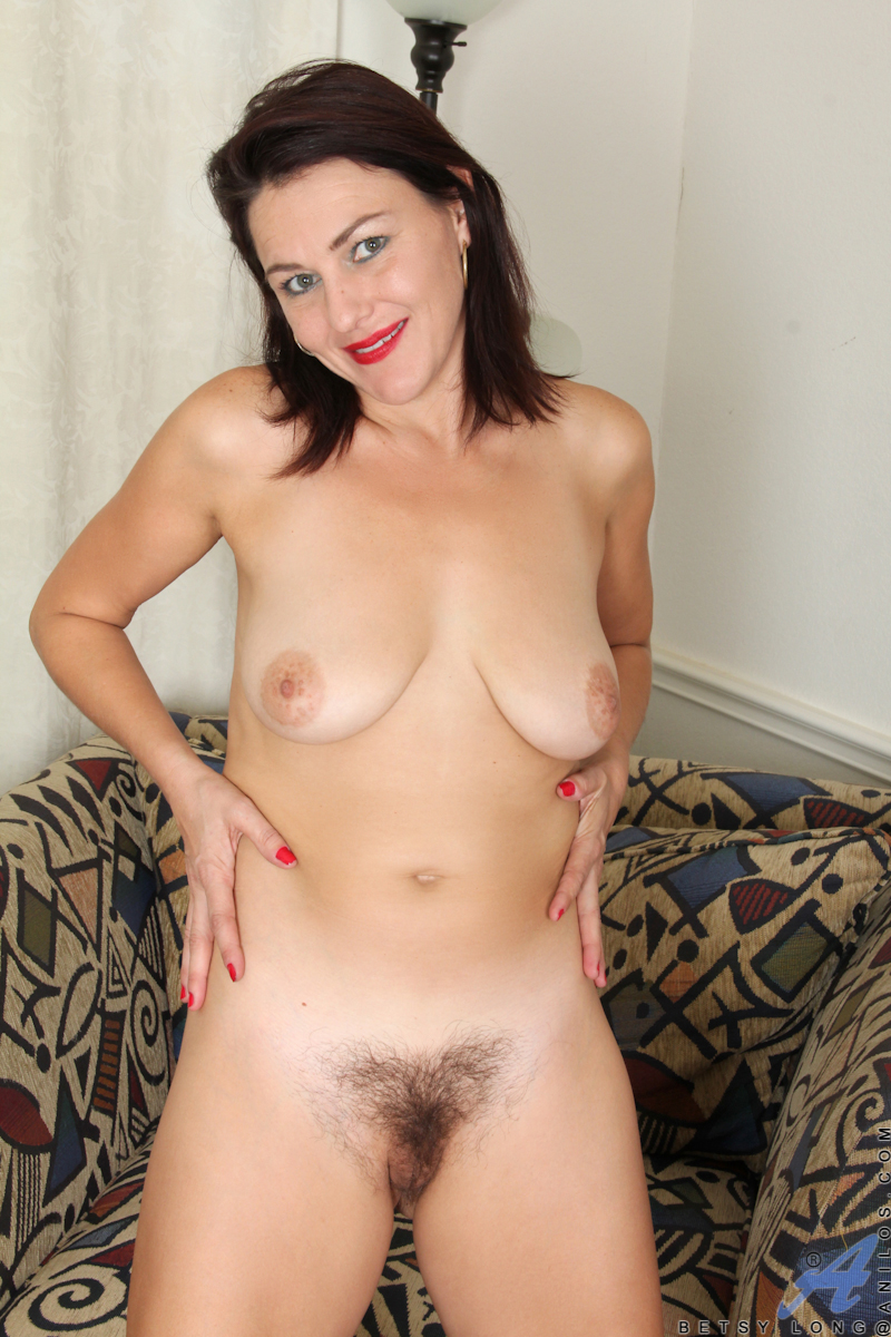 Mature sexy hairy cunt! amateur!