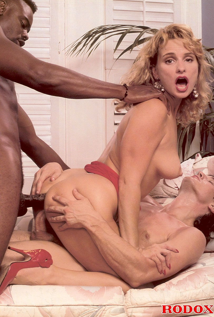 Real And Very Horny Retro Interracial Threesome Hardcore -4500
