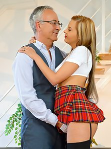 Babe wearing a schoolgirl outfit