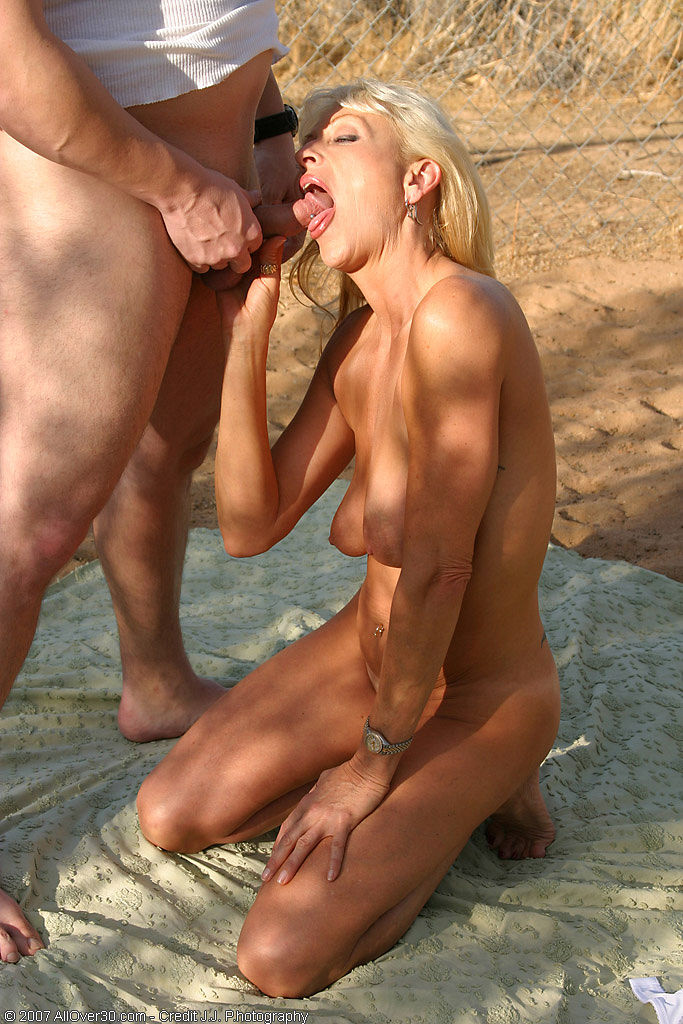 Amateur Wife Sucking And Jerking Off Strangers