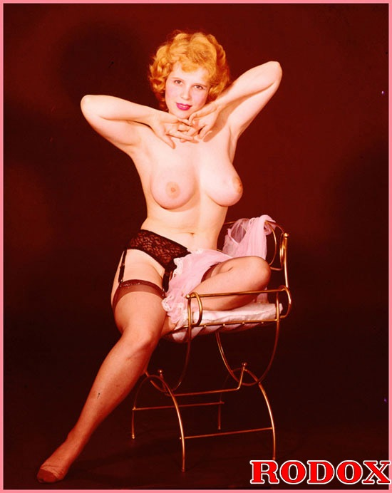 Vintage hot and very sexy big retro boobies naked pictures ...