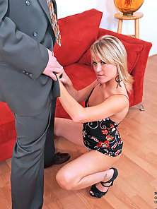 Naughty milf gets her pussy pounded and rides the cock with skill