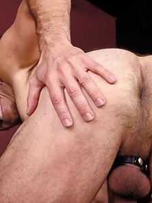 This horny bloke spreads his ass just for you