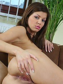Pretty brunette babe fingers sweet tight pussy hole