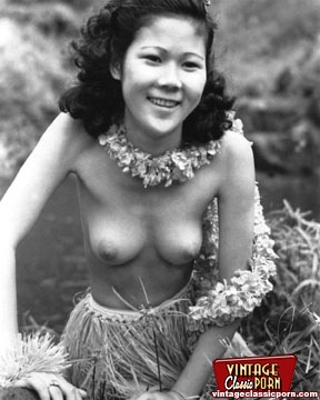 Sexy Hawaiien Vintage Girls Showing Their Natural Bodies