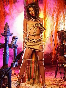 Anetta Keys cavewoman looking for her caveman