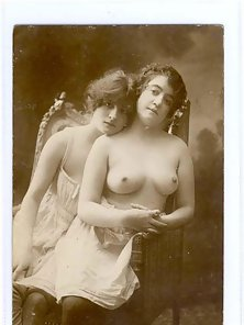 Vintage beauties showing bottoms