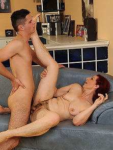 Hot mature enjoy doggy style with her young lover