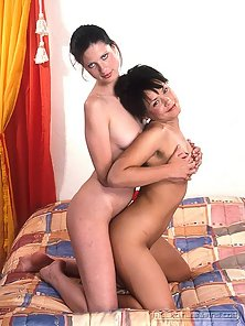 Hot lesbians Maria and Helen toying their muffs