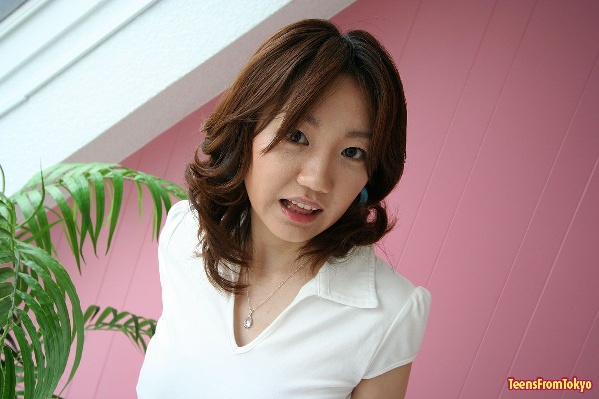results-lina-asian-teen-girl-plays-with