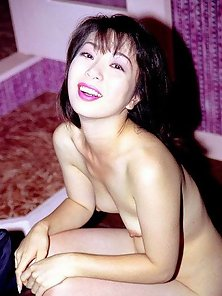 Naughty asian amateur ready for her bath time