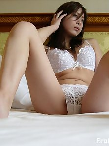 Lustful Japanese Ayame showing her bubble butt