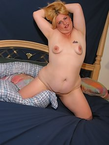 Blonde Fat Plumper Posing and Playing with Pink Dildo