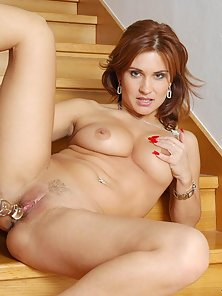 Barenaked Anilos beauty loves toying herself in the stairs