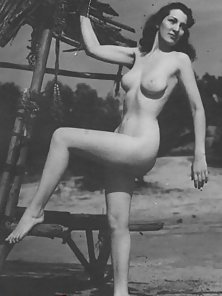 Some horny ladies from the fourties love being nude outdoor