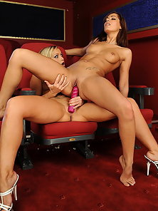 Kathias and Cipriana is having lesbo sex in cinema