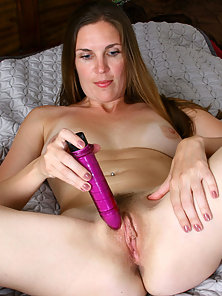 willing give Doggy Style Milf Pics nice woman who
