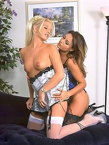 Superb Carolina and Rachel kissing with lust