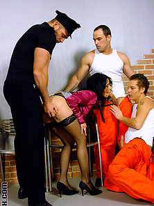 Fellows love fucking in a prison