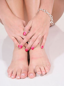 Latina hottie sucks her own sexy toes before geting drilled with a thick cock