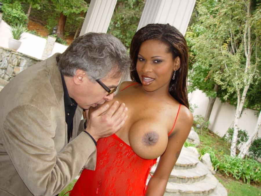 Older Guy Sucking Big Ebony Tits And Pussy - Mobile Porn -3289