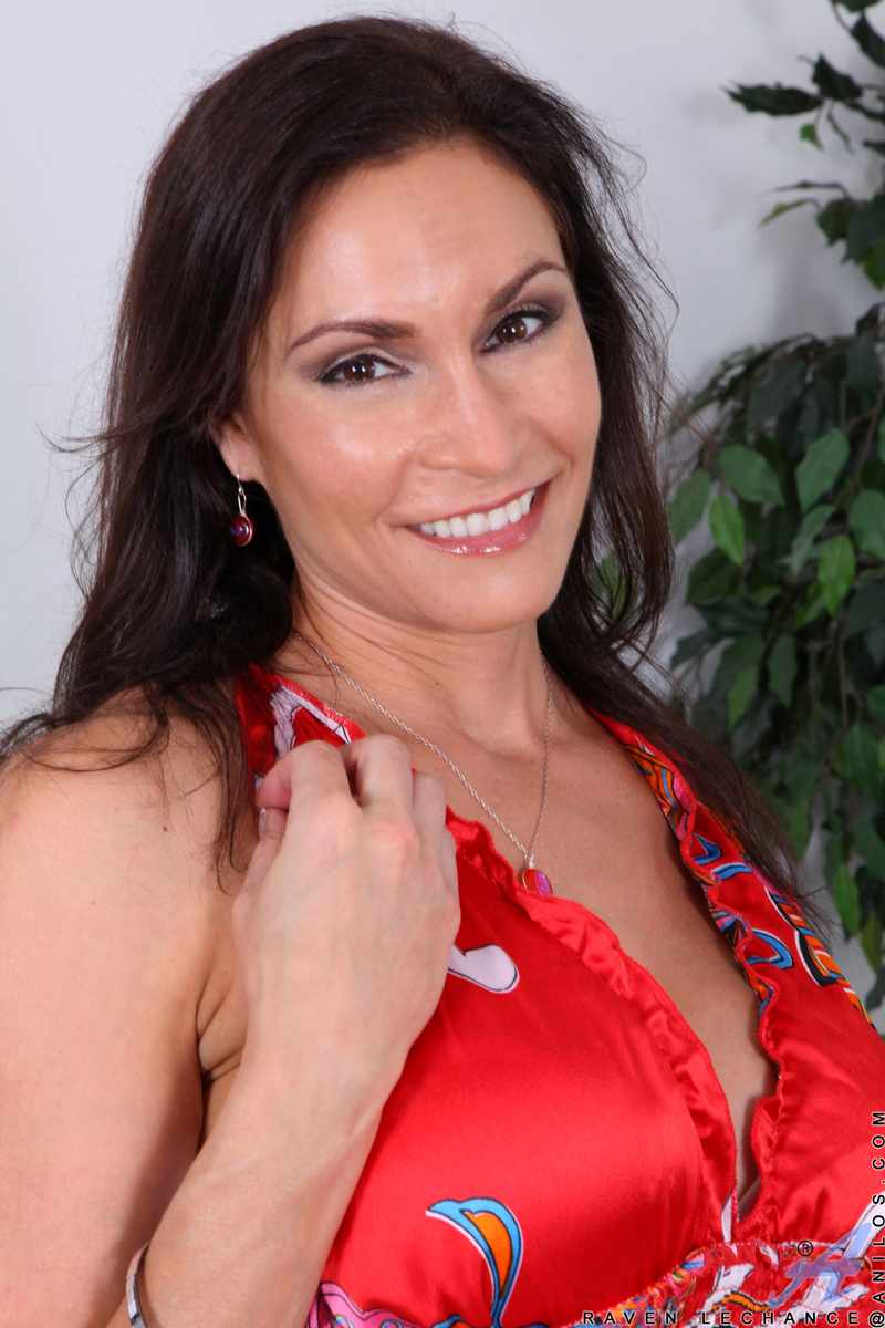 mature nude smile  ... Sexy mature nude woman pops out her huge Anilos tits on the couch ...