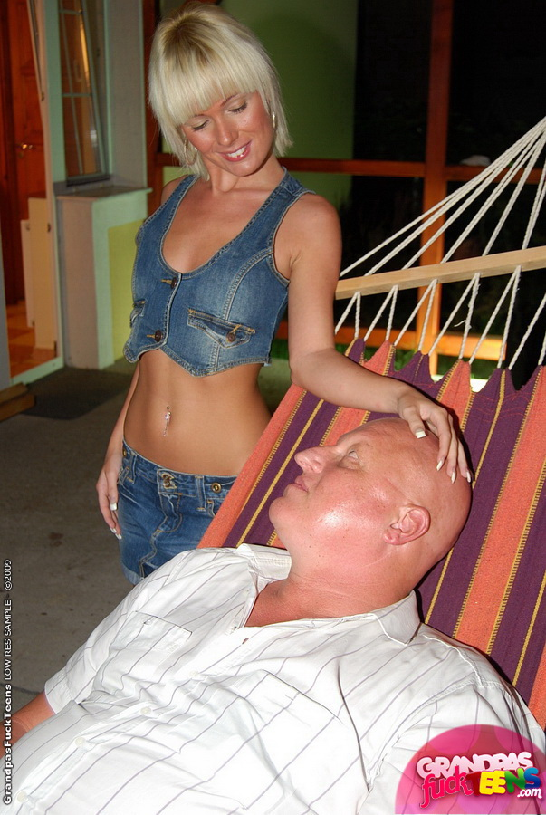 Dad Fucks Daughter On Couch