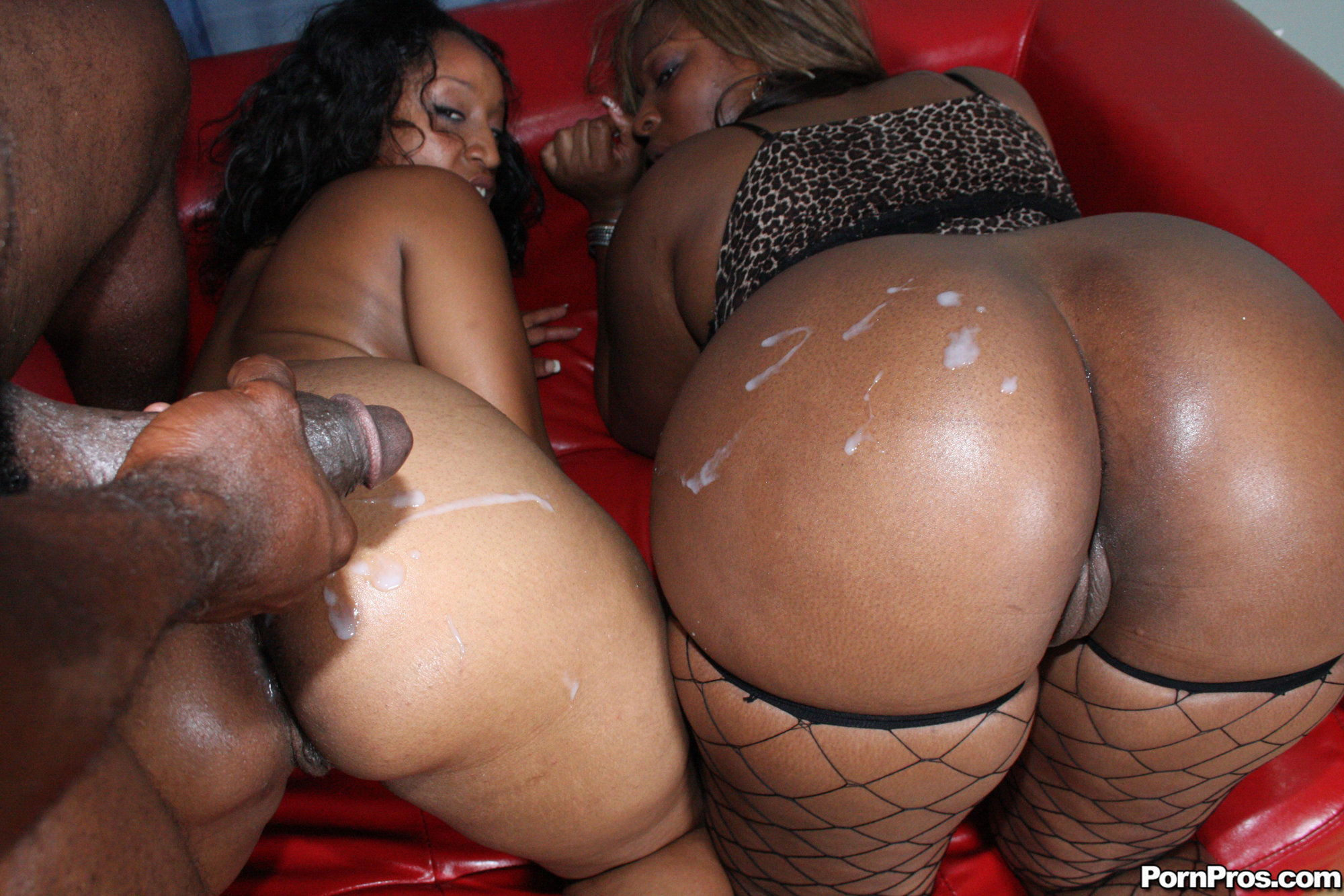 Ebony with thick ass dido play and squirt