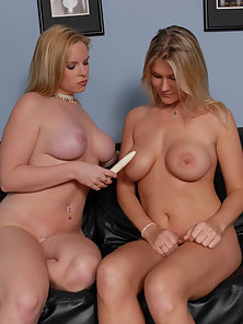 Juliana was the special of the day and sexy Cameron couldn't wait to taste some hot clam and try out