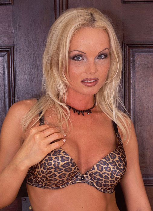 Hot blonde MILF Silvia Saint flashing her upskirt black underwear  36884