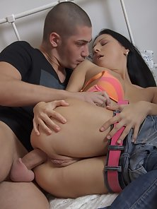 Double penetration for teen virgin Teresa.