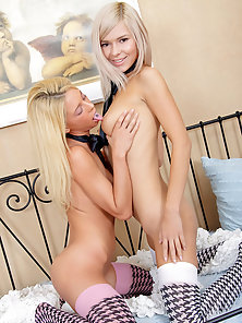 Teen strapon fucking with blonde Bryana & Crystal