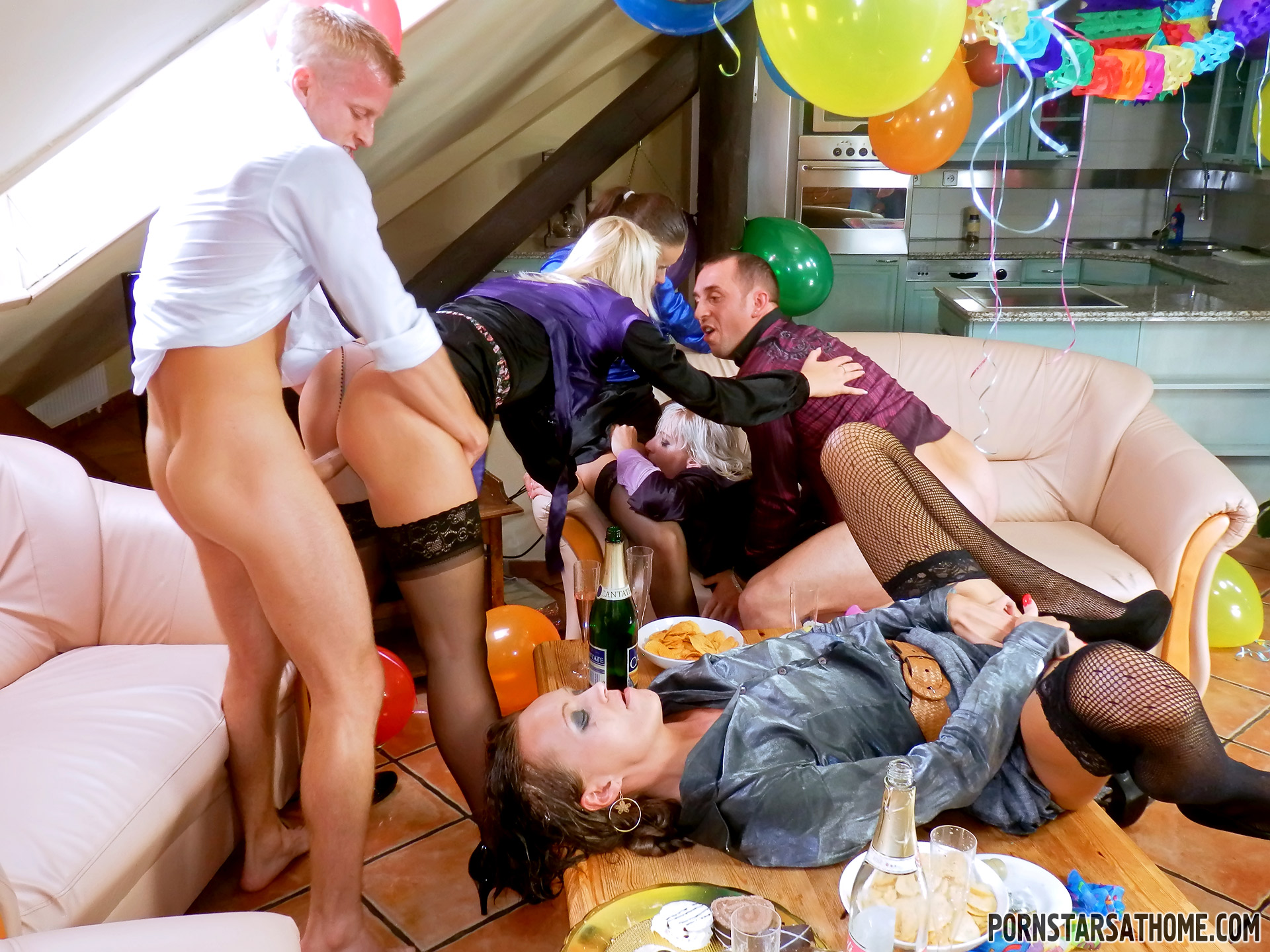 Chicks at a horny birthday party - Mobile Porn Movies
