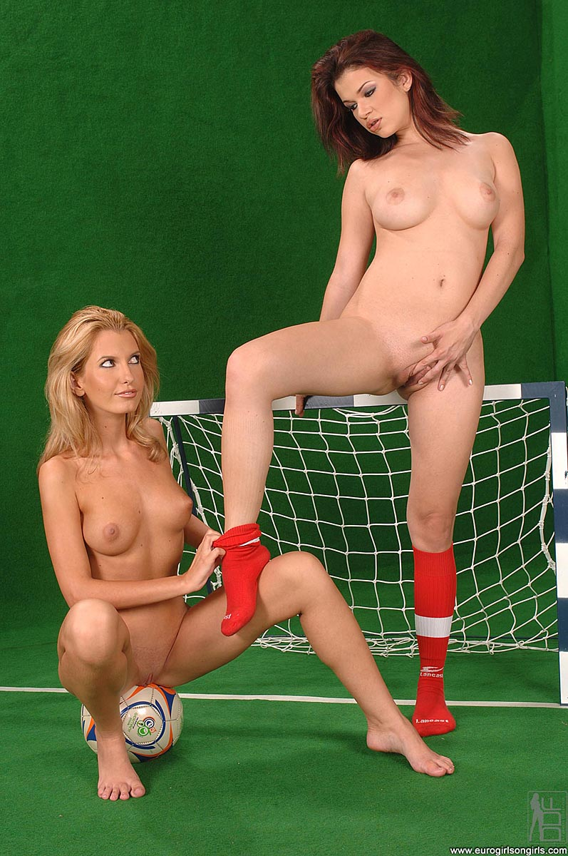 Shooting porn soccer babe sex pic naked women