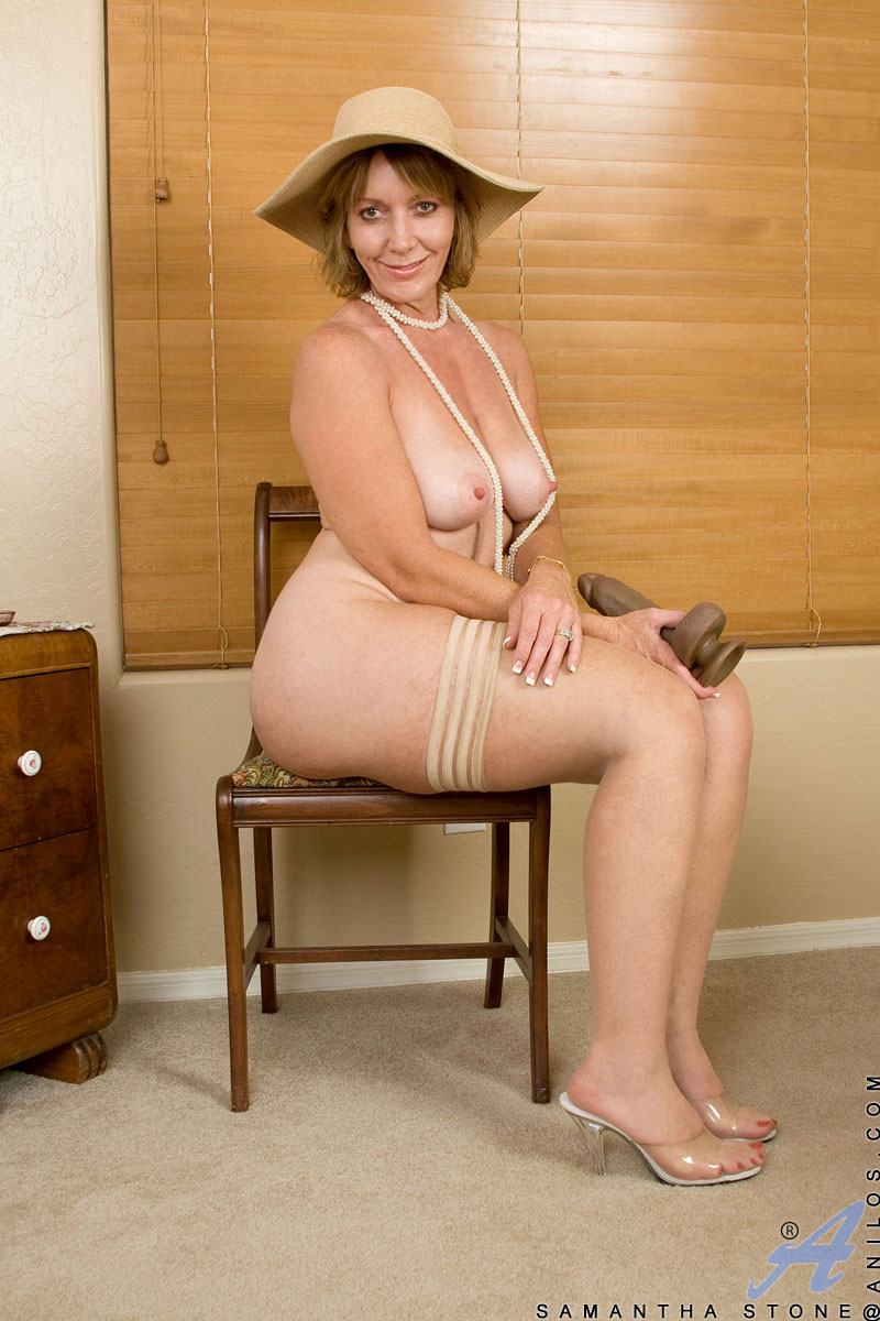 Another alluring milf