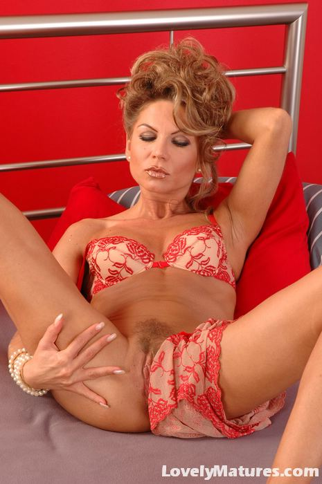 Gorgeous Milf Jessica Teasing Us With Her Tiny Red Dress -4903
