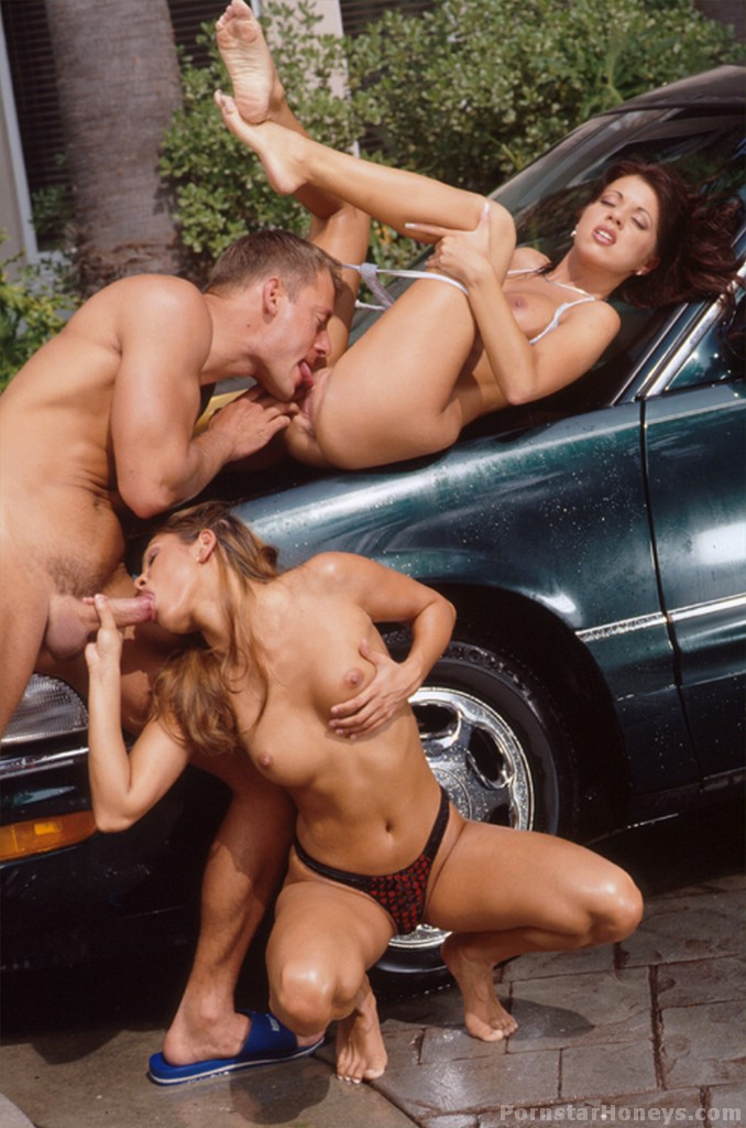 Vintage groupsex in the car