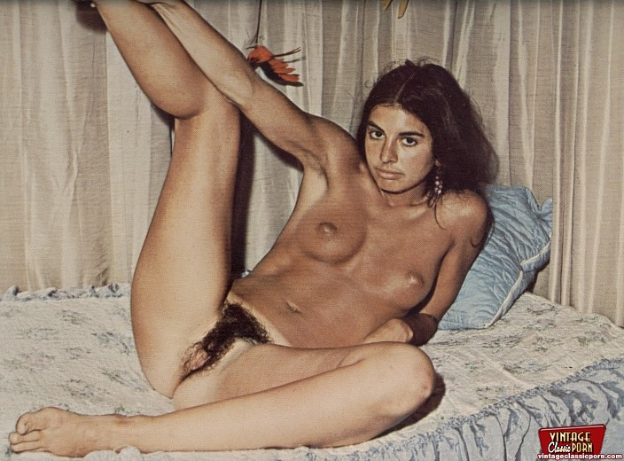 ... Classic hairy hippie girls from the sixties posing nude ...