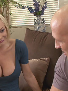 Tiger Woods Mistress Holly Sampson Fucking And Sucking Cock