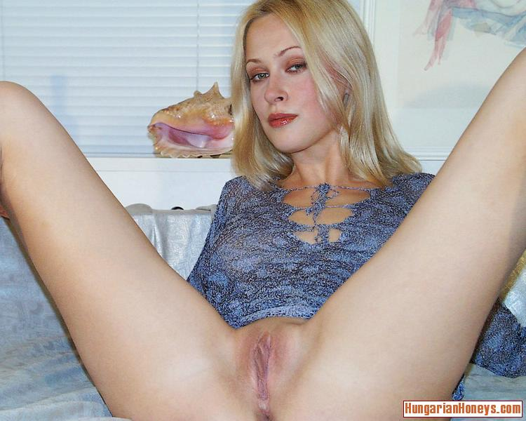 Blonde Milf Squirting Dildo