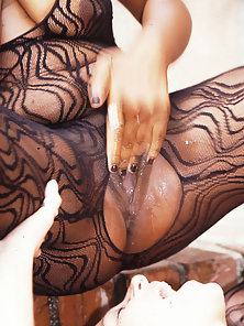 Dirty whores squirting all over a babe