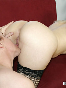 Ariel Summers Likes To Squirt Her Juices